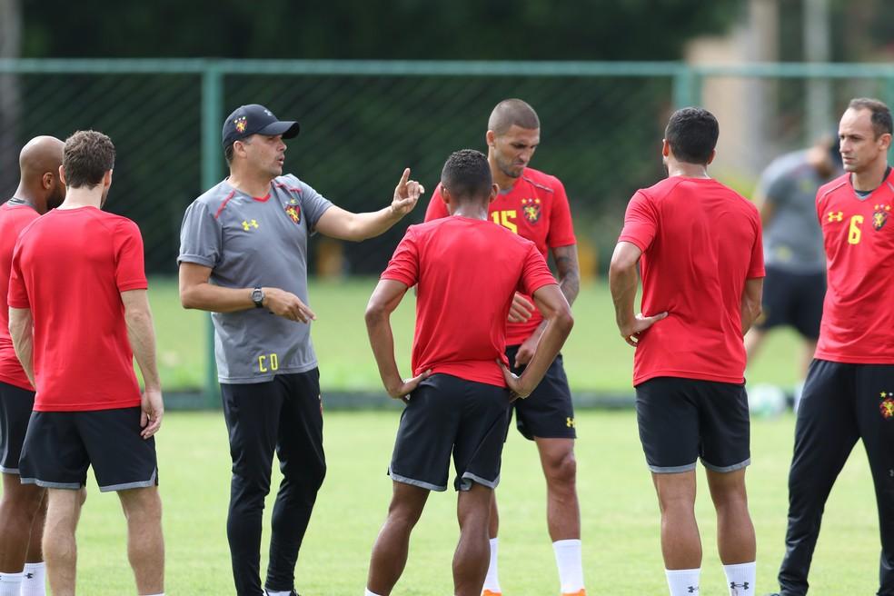 Claudinei era considerado um técnico afetuoso, segundo diretor do Sport (Foto: Aldo Carneiro/ Pernambuco Press)