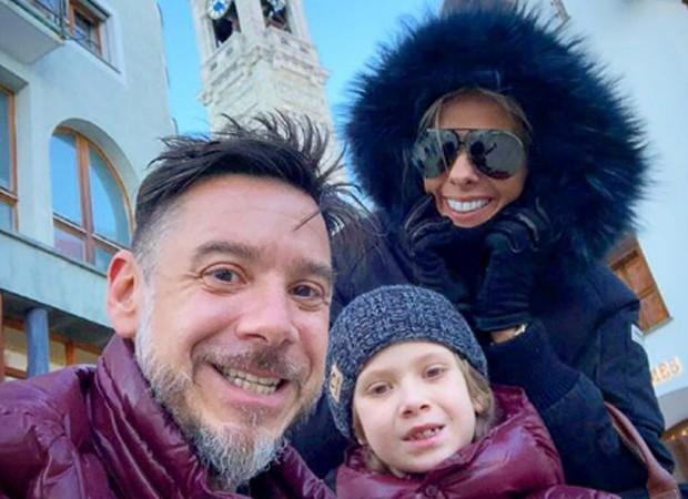 Adriane Galisteu, o filho, Vittorio, e o marido, Alexandre Iódice em Sankt Moritz, na Suíça (Foto: Reprodução/Instagram)