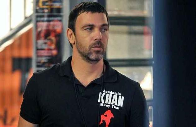 Lobão (Marcelo Faria) estava à frente da Academia Khan e era concorrente de Gael. O vilão tinha um esquema de lutas ilegais (Foto: Globo)