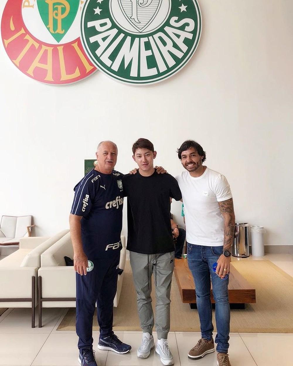 9b27cbb4baacd Felipão vira trunfo do Palmeiras por liberação de Ricardo Goulart