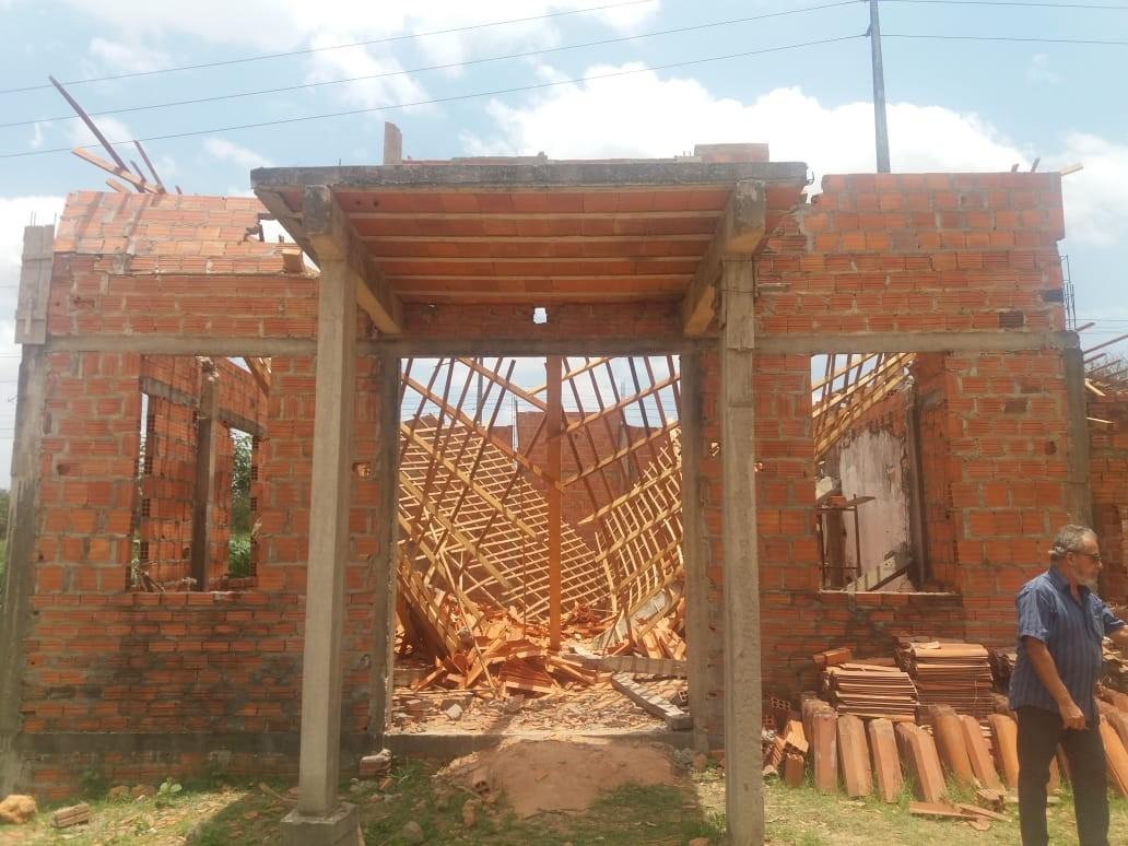 Teto de igreja em construção desaba e fere seis pessoas no Maranhão - Notícias - Plantão Diário