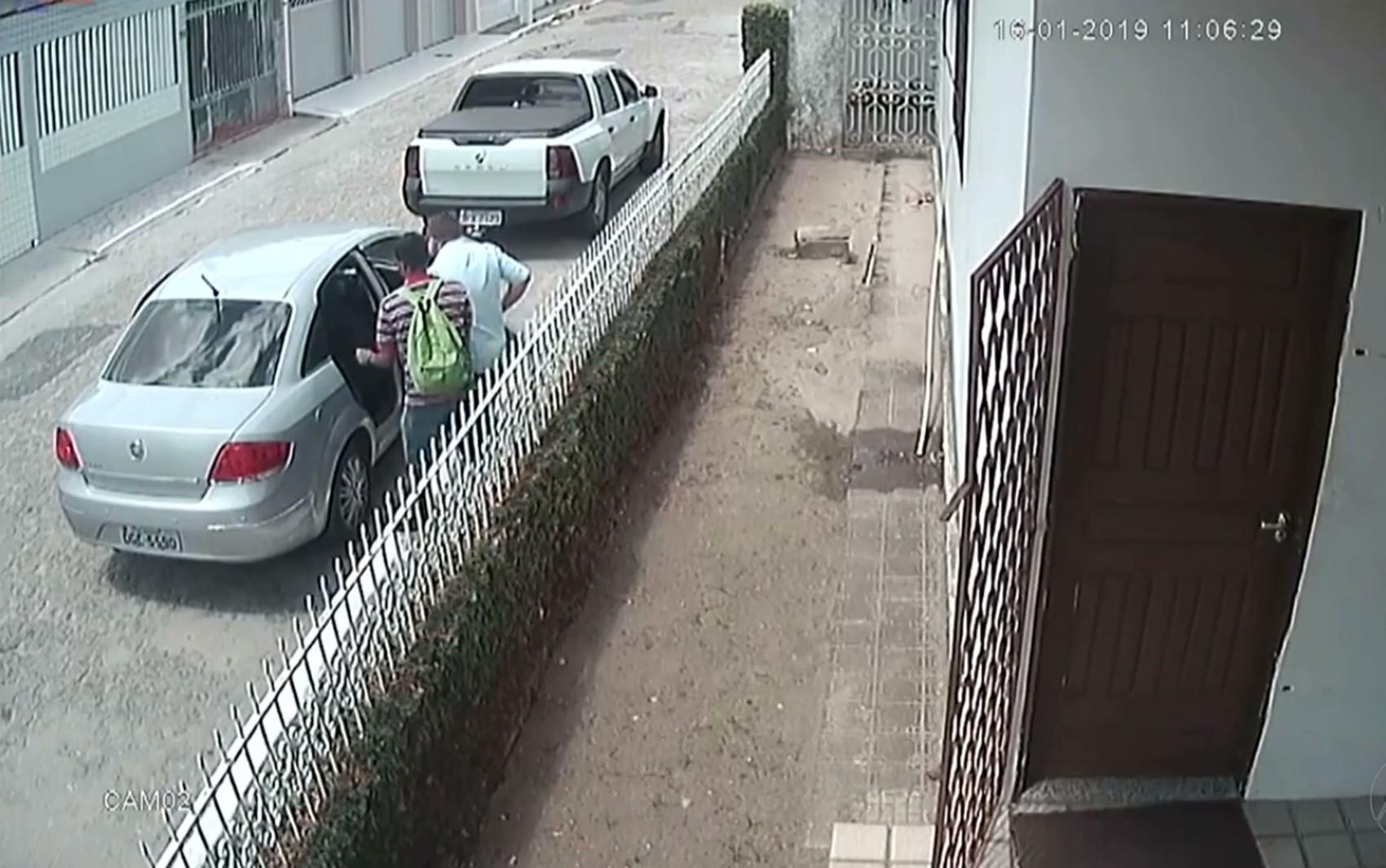 Contador é sequestrado em João Pessoa, mas suspeitos abandonam vítima após atolar carro na fuga - Noticias