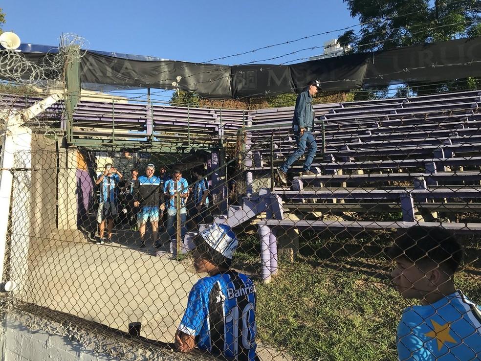 Acesso da torcida do Grêmio ao estádio (Foto: Eduardo Moura)
