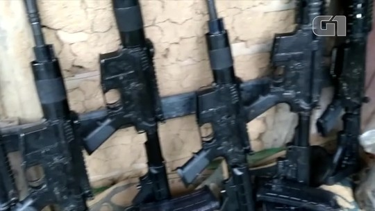 Operação apreende 6 fuzis e prende homens apontados como os chefes do tráfico em Macaé, no RJ