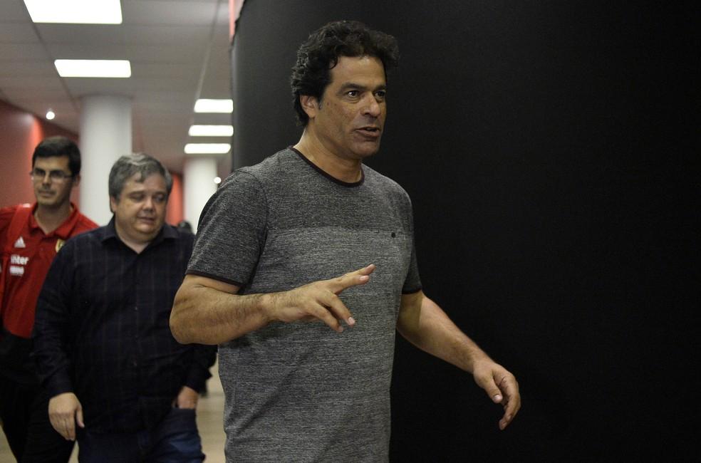Raí é bancado pelo presidente do São Paulo e apoiado por conselheiros da situação — Foto: Marcos Riboli