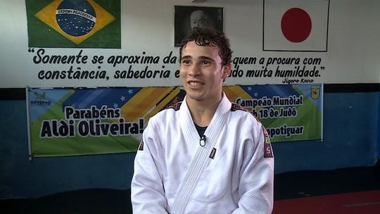 Conheça a história do judoca Aldi Oliveira, primeiro brasileiro campeão mundial juvenil