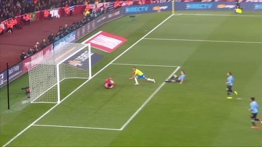 Richarlison festeja sequência na Seleção por vaga na Copa América