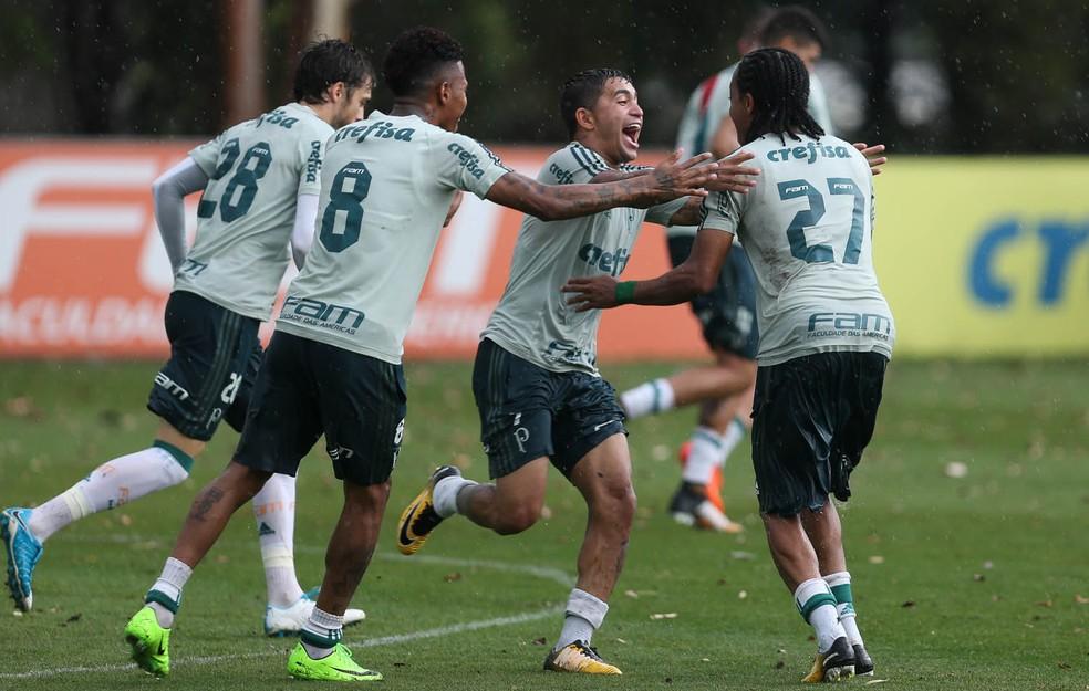 Dudu durante o treinamento desta quarta-feira, na Academia (Foto: Cesar Greco / Ag. Palmeiras)