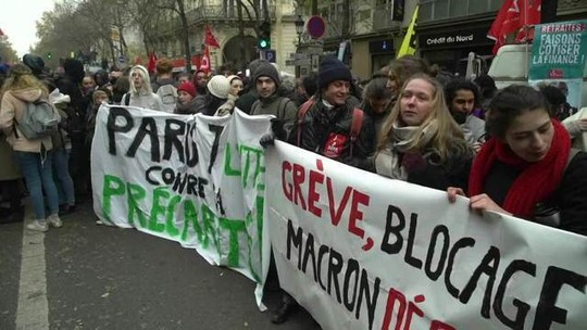 Greve geral contra reforma nas aposentadorias paralisa a França