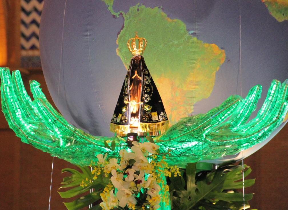 Nossa Senhora de Aparecida é a padroeira do Brasil para os católicos — Foto: Carlos Santos/ G1