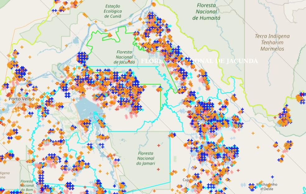 Mapa mostra pontos com focos de calor em Rondônia — Foto: Reprodução/Inpe