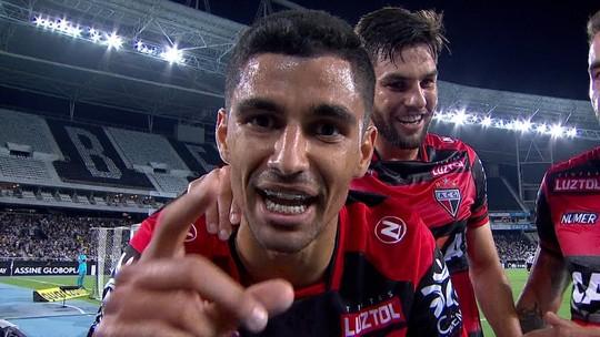 """Jair se cala sobre Bruno Silva e desabafa pós-derrota: """"Uma hora a conta ia chegar"""""""
