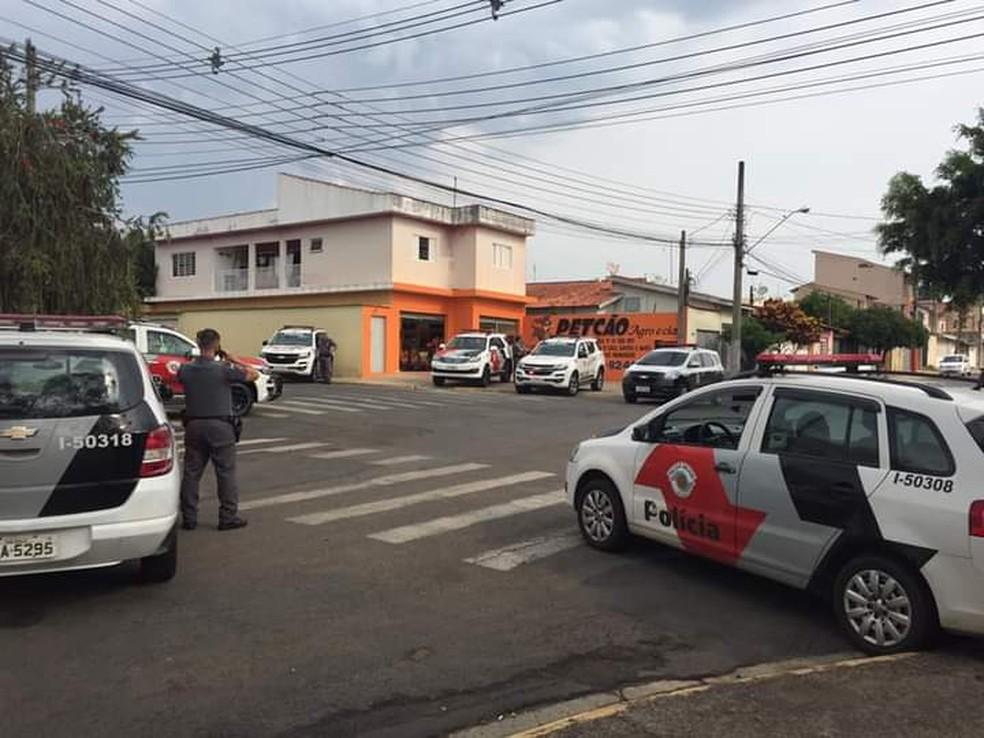 Policiais foram mobilizados para o caso em Salto — Foto: Arquivo pessoal