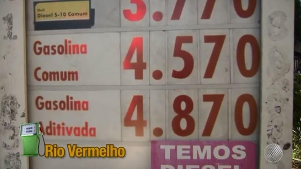 Preço do litro da gasolina chega a R$ 4,57 em postos de Salvador (Foto: Reprodução/ TV Bahia)