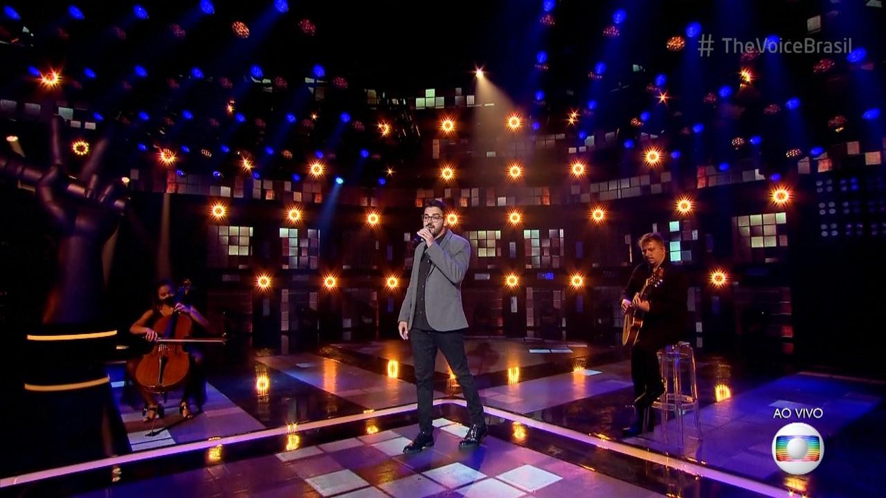 Douglas Ramalho canta 'Eu Sei Que Vou Te Amar'