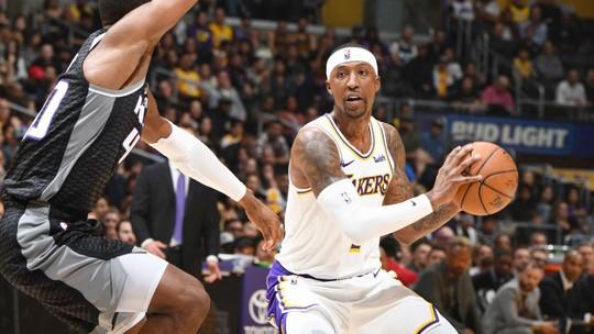 """Fora dos playoffs, LeBron James manda recado com triplo-duplo: """"Não vou trair o jogo"""""""