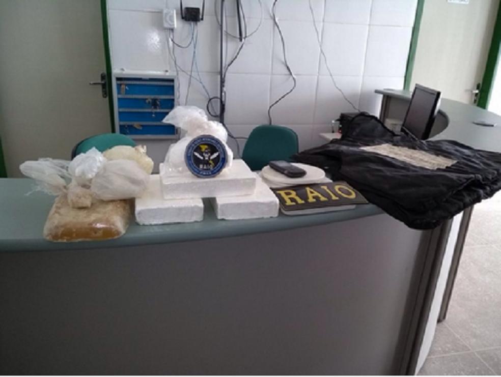 Dupla é presa com três quilos de drogas em fazenda no Ceará