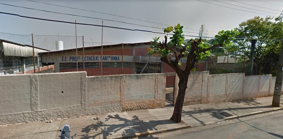 Aluno agrediu professor na escola estadual Otacílio Sant'anna em Lins — Foto: Reprodução/Google Street View