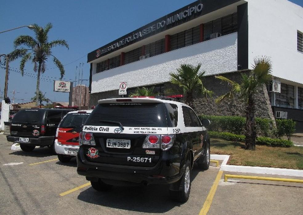 Caso foi registrado na Delegacia Sede de Praia Grande, SP — Foto: João Paulo de Castro/G1