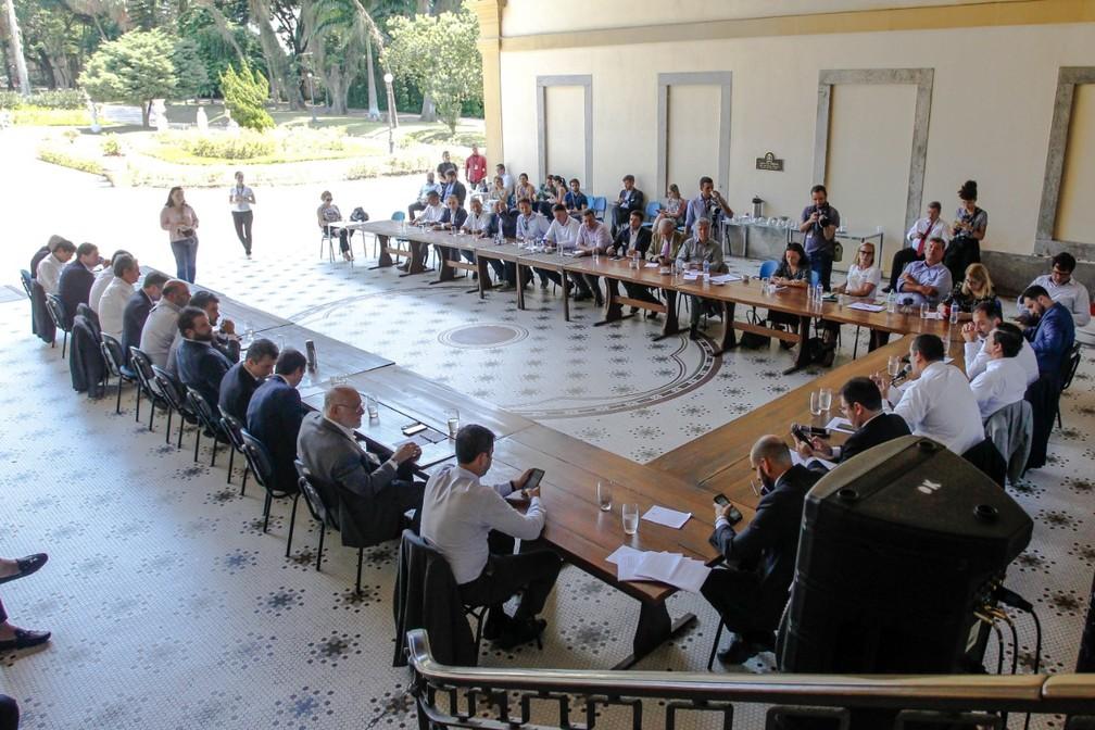 Reuniões do governo do estado do Rio passam a ser ao ar livre no Palácio Guanabara — Foto: Larissa Cargnin/ Secretaria de Turismo