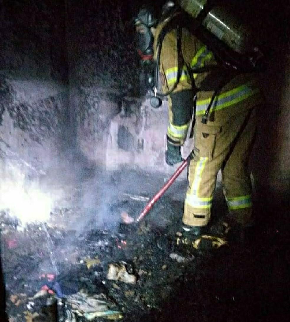 Causas do incêndio ainda não foram descobertas — Foto: Divulgação/Corpo de Bombeiros