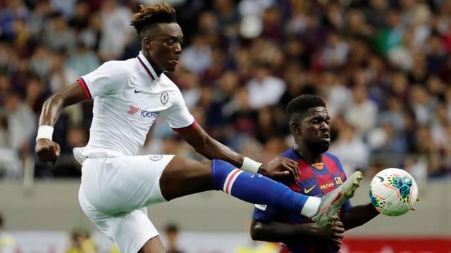 Abraham em ao pelo Chelsea diante do Barcelona