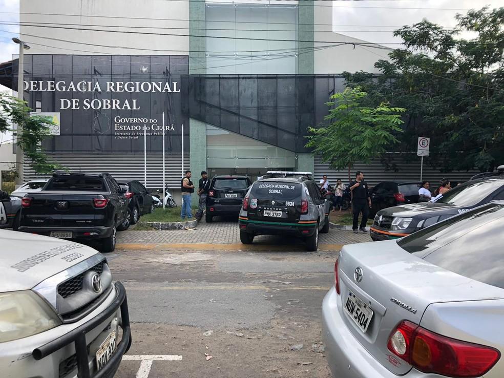 Participam da operação policiais da região norte, de Fortaleza e da Região Metropolitana, incluindo forças especializadas — Foto: Mateus Ferreira/SVM