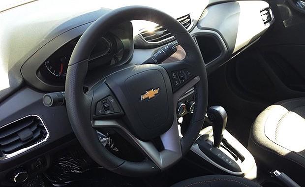 Chevrolet Onix 2015 Ter 225 Volante Multifuncional Em Couro