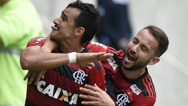 Gol, Henrique Dourado, Flamengo x Cruzeiro