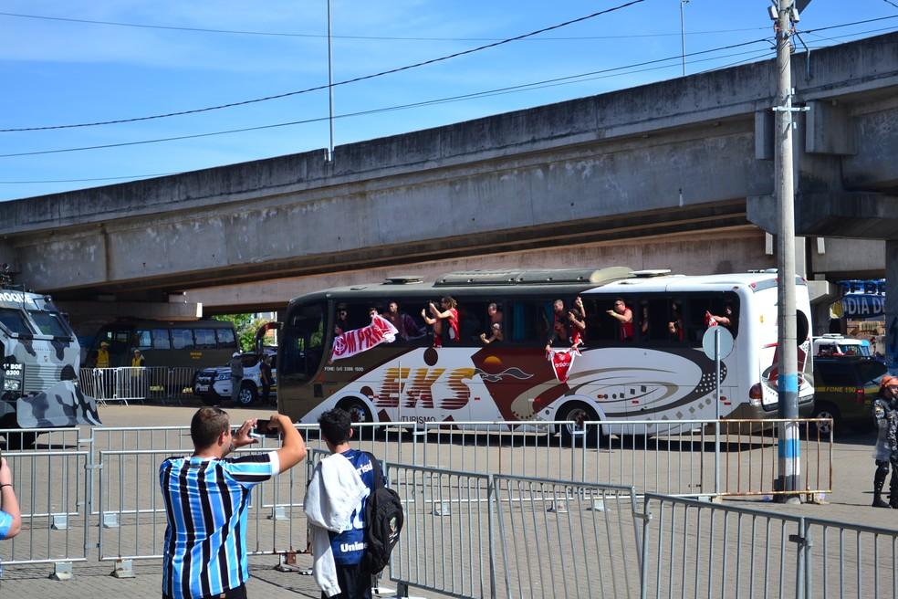 Torcida do Inter sairá em comboio até a Arena — Foto: Eduardo Deconto