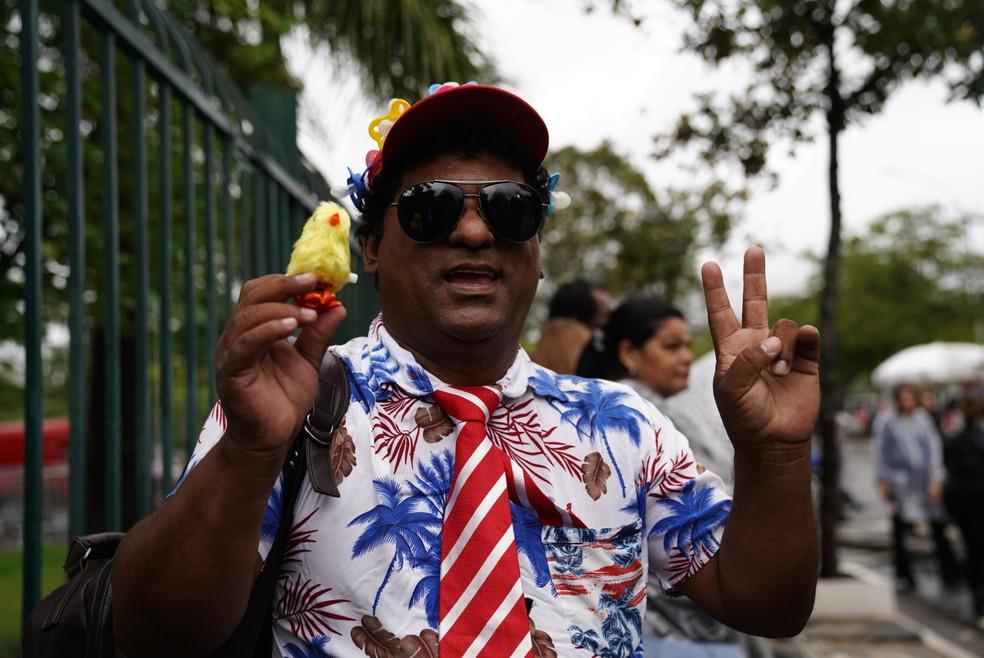Fãs comparecem ao velório de Gugu Liberato na Alesp nesta quinta (28) — Foto: Marcelo Brandt/G1