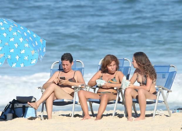 Claudia Rodrigues com a Isa e Adriane (Foto: AgNews)
