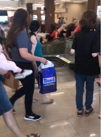 Shopping de Valinhos é evacuado após princípio de incêndio em loja