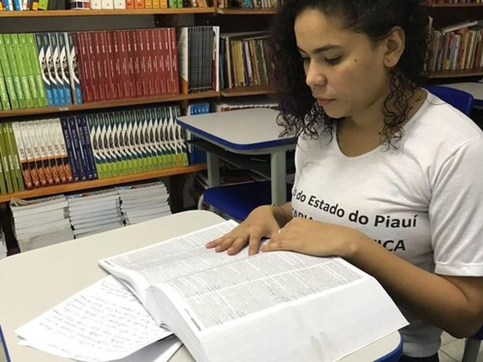 Na Penitenciária Feminina de Teresina, Fernanda Lima participa do programa Mulheres Mil (Foto: Divulgação/Sejus)