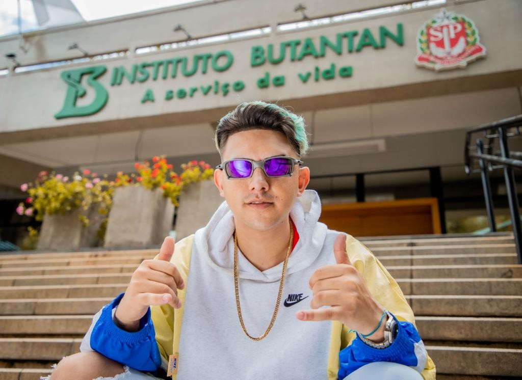 MC Fioti lança clipe de nova versão de 'Bum bum tam tam' em homenagem à vacina CoronaVac