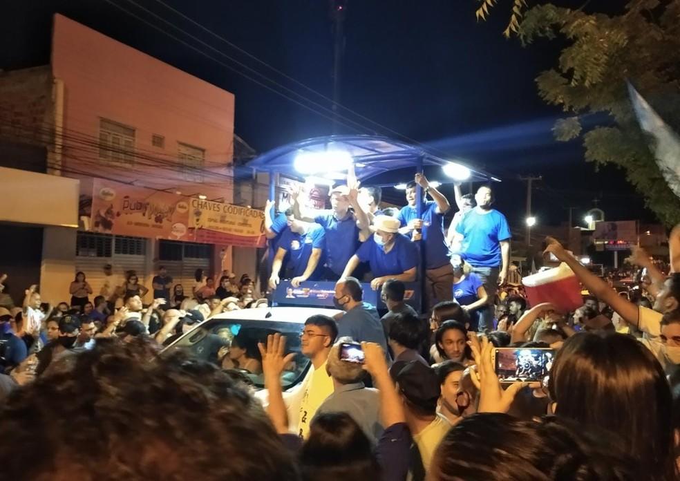 Allyson Bezerra (Solidariedade) comemora vitória em Mossoró, nas eleições 2020.  — Foto: Hugo Andrade/Inter TV Costa Branca