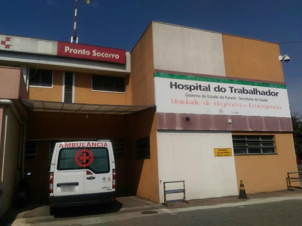 Homem baleado no pescoço está internado na UTI do Hospital do Trabalhador (Foto: Fábio Gomes/RPC)