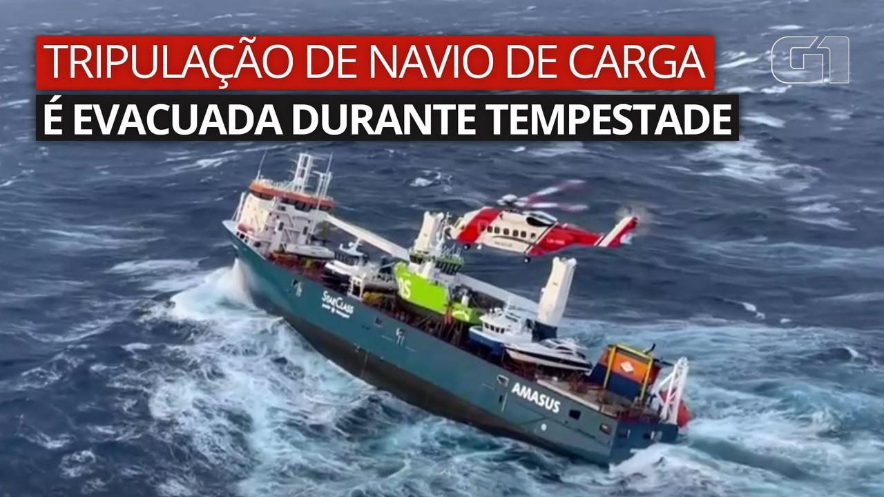 VÍDEO: Tripulação de navio de carga holandês é evacuada durante tempestade no Mar do Norte