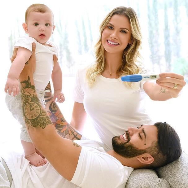 Gusttavo Lima e família (Foto: Instagram/Reprodução)