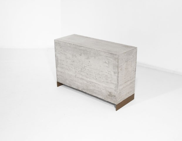 Mesa do designer Eric Slayton, da WantedDesign