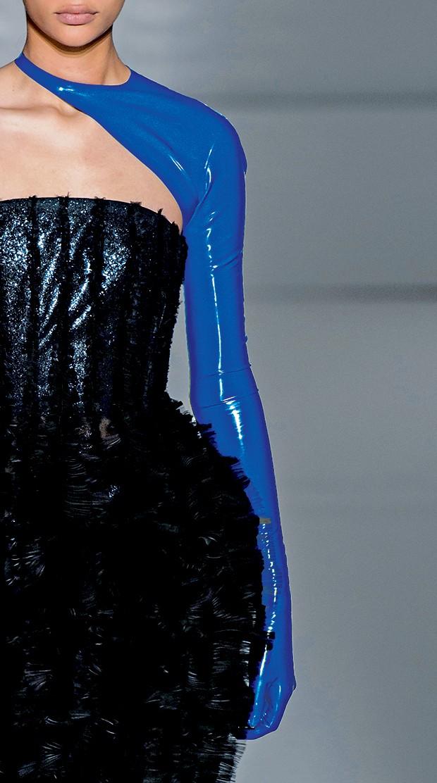 Moda e fetiche - Látex na passarela da alta-costura verão 2019 da Givenchy (Foto: Getty Images)