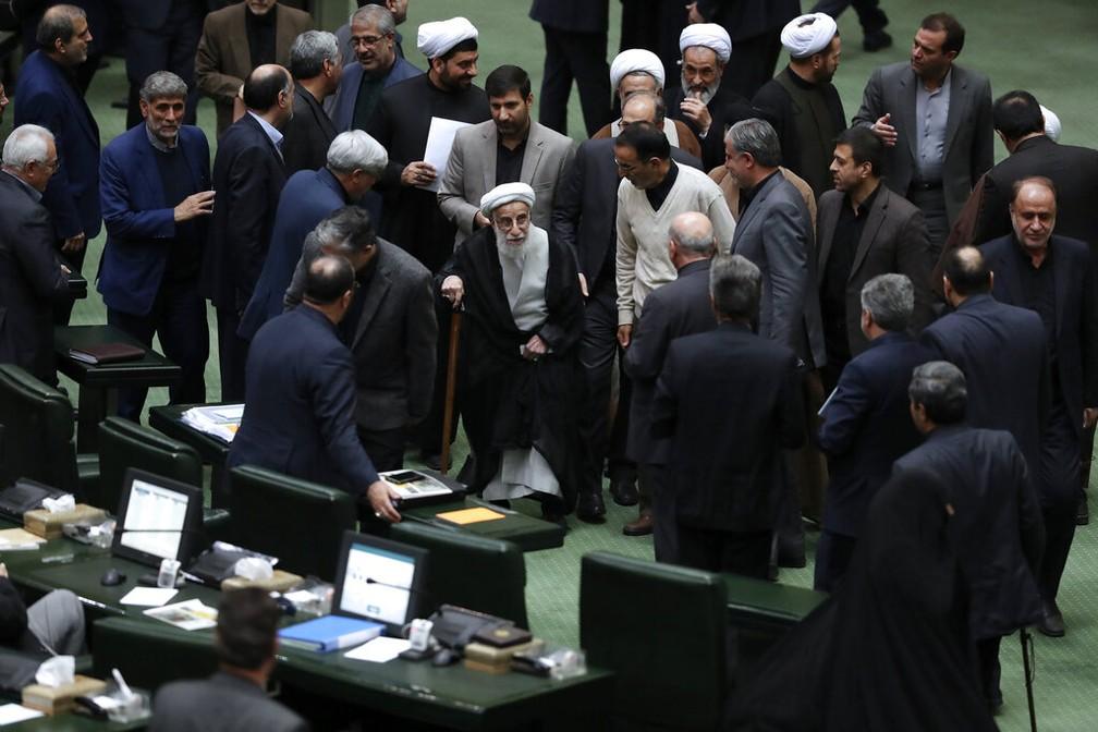 Parlamento do Irã durante sessão no dia 7 de janeiro de 2020 — Foto: Vahid Salemi/AP