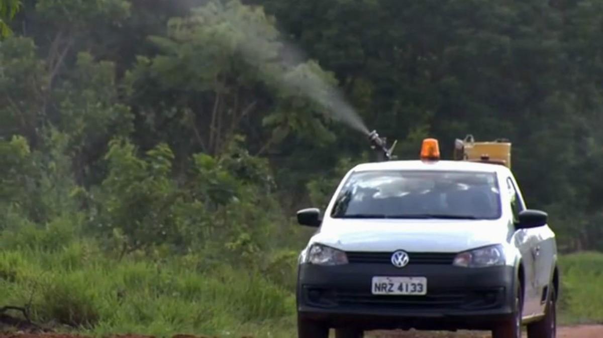 Com fumacê, prefeitura de Campo Grande reforça combate ao mosquito Aedes aegypti