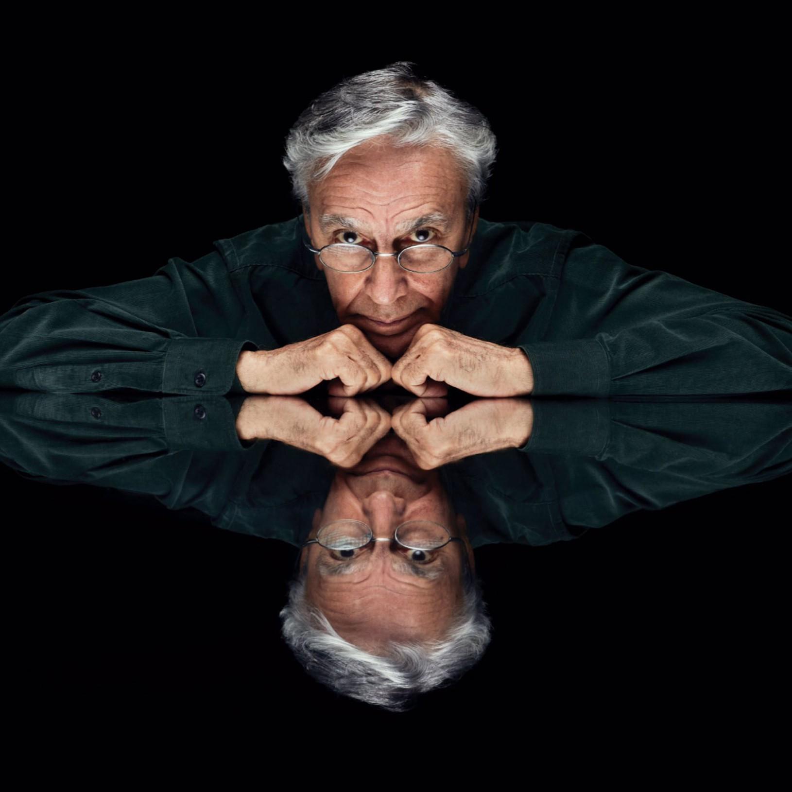 Em 'Anjos tronchos', Caetano Veloso aponta a arte como escape do malefício do Vale do Silício
