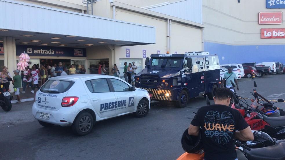 Crime aconteceu no bairro de São Cristóvão, em Salvador (Foto: Renan Pinheiro/TV Bahia)