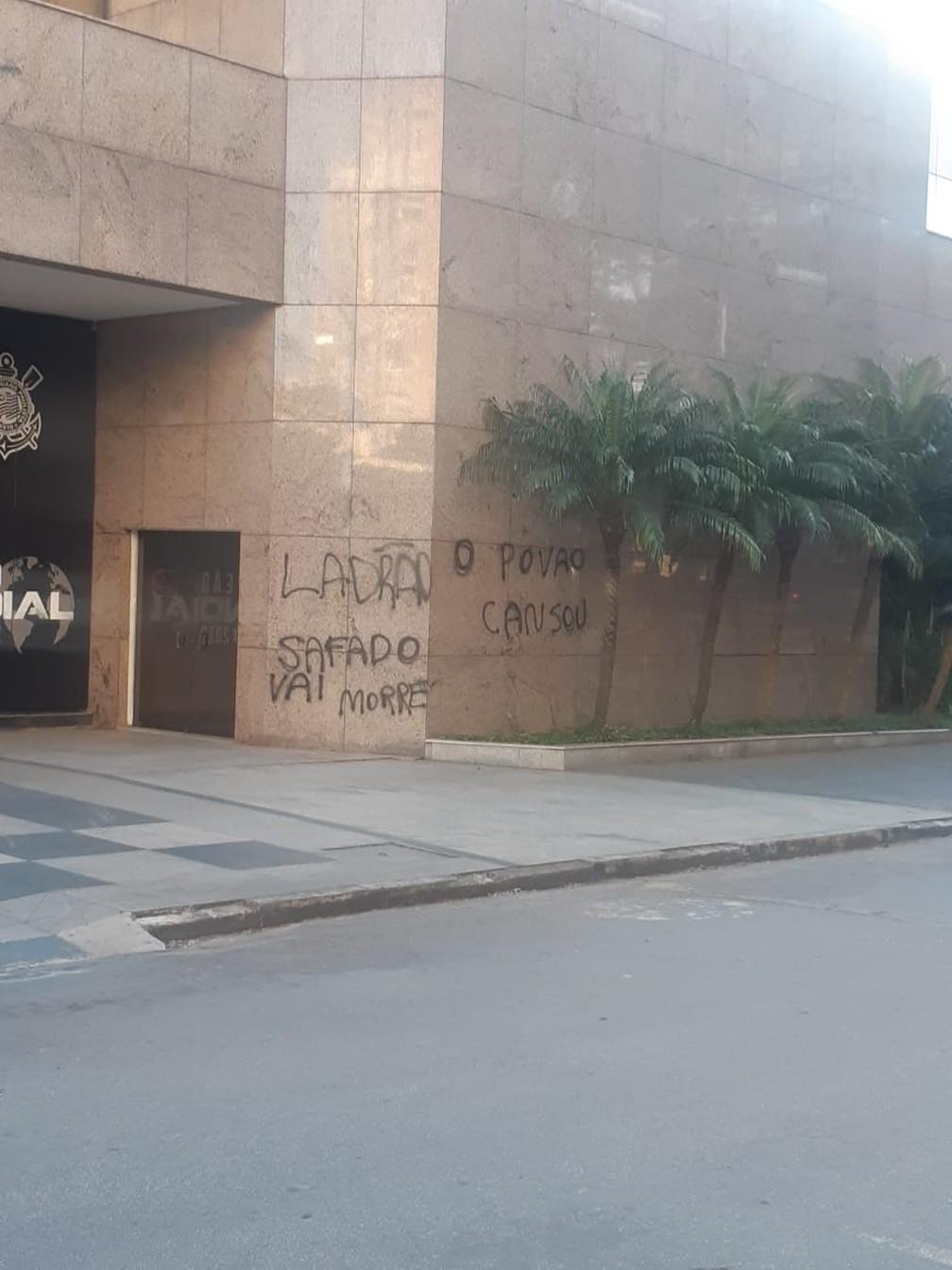 Pichação contra Andrés Sanchez, presidente do Corinthians — Foto: Arquivo pessoal