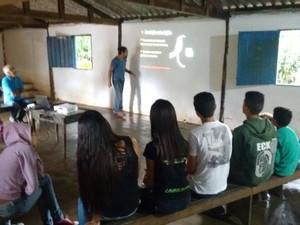 Comunidade recebeu treinamento (Foto: Amigos da Mata/Divulgação)