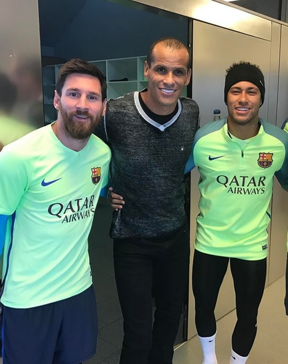 Rivaldo diz que Messi  maior que CR7 e apoia volta de Neymar ao Barcelona Bom para ele