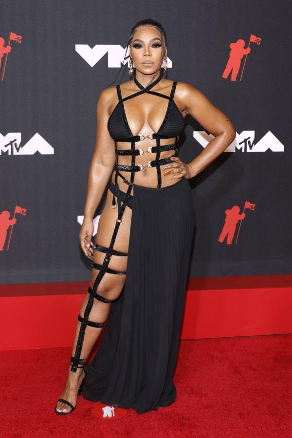 Ashanti com a calcinha em evidência no VMA 2021 (Foto: Getty Images)