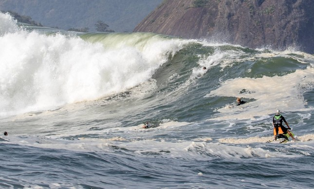 Bodysurf na Laje da Besta